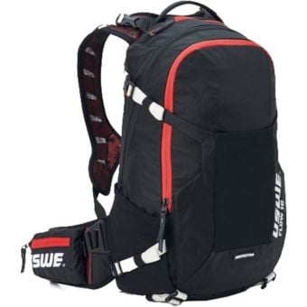 USWE Flow 16 Protector Hydration Pack Carbon Black